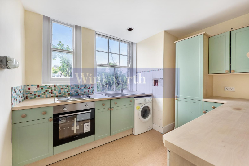 Flat to rent in Battersea - PRIMROSE MANSIONS, SW11