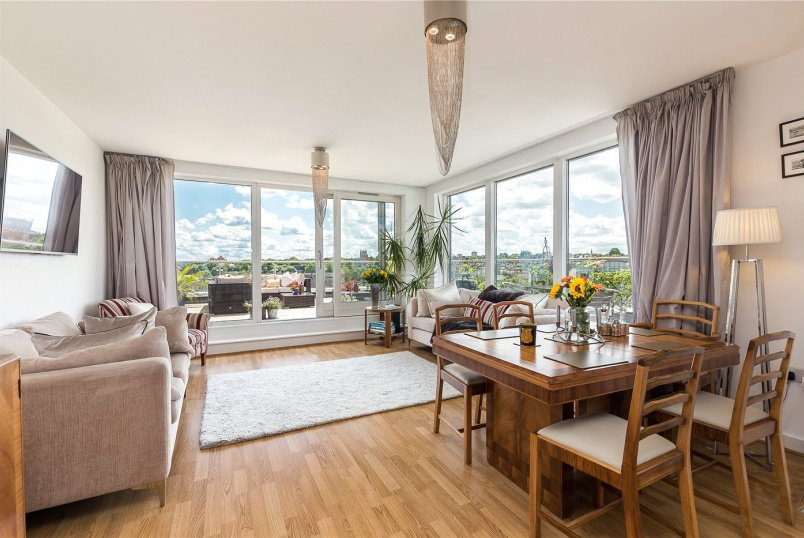 Flat/apartment for sale in  - Point Pleasant, London, SW18