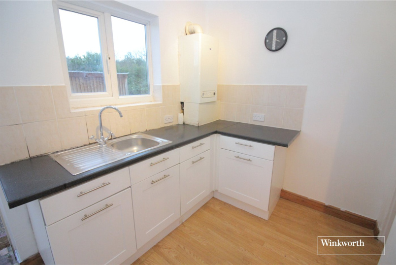 Maisonette for sale in Borehamwood & Elstree - Eldon Avenue, Borehamwood, Hertfordshire, WD6