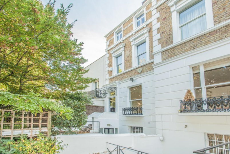 House to rent in Kensington - Holland Park Avenue, Holland Park, W11