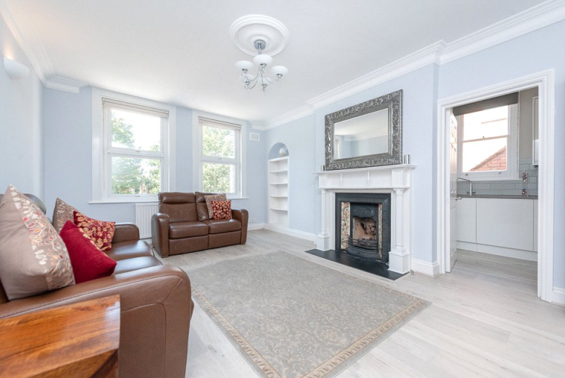 Flat/apartment for sale in Kensal Rise & Queen's Park - Staverton Road, London, NW2