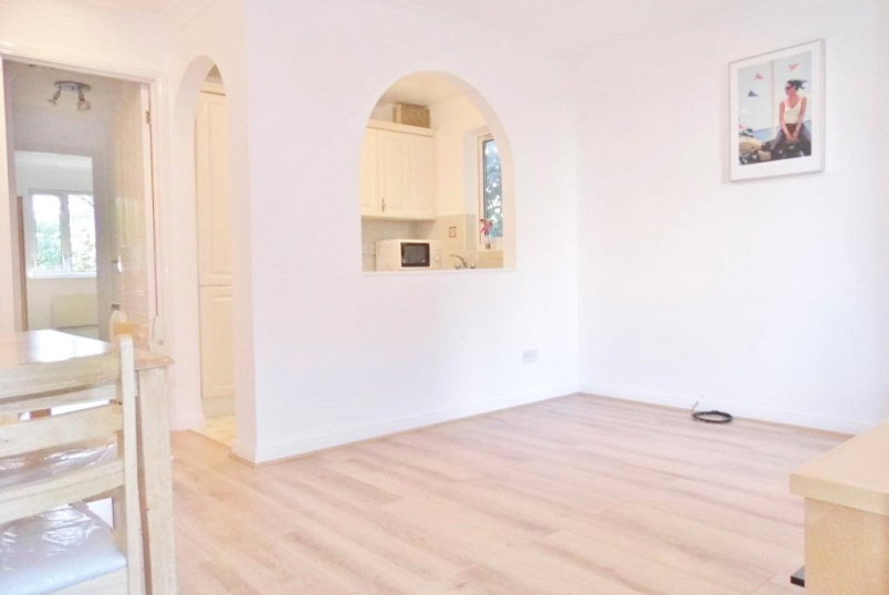 Flat/apartment to rent in Finchley - Dorset Mews, Finchley, London, N3