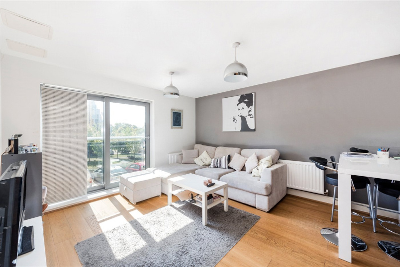 Flat/apartment to rent in Tooting - Fleming House, St. Georges Grove, London, SW17