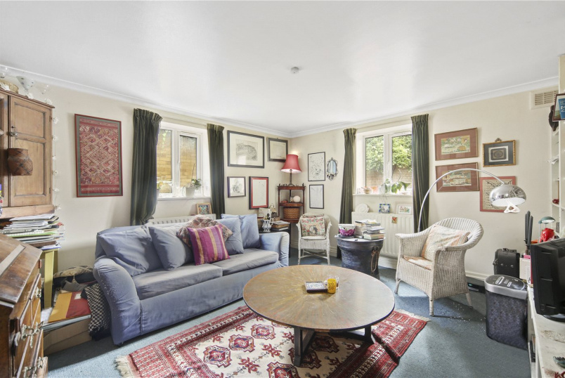 Flat/apartment for sale in Shepherds Bush & Acton - The Glade, Coningham Road, London, W12