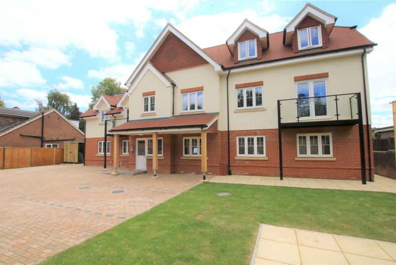 Flat/apartment to rent in Reading - Westcote House, Westcote Road, Reading, RG30