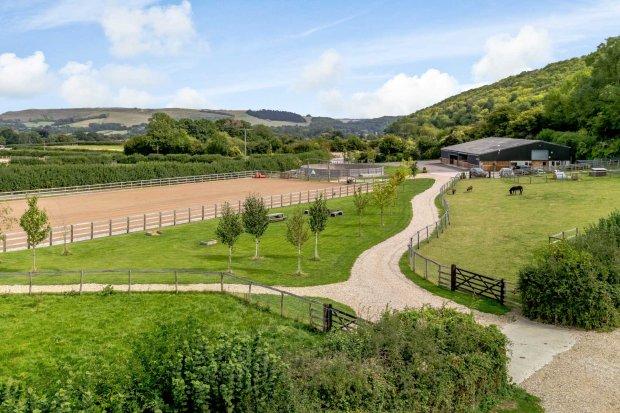 6 Bedroom Property For Sale In Shillingstone Dorset Guide Price 163 900 000