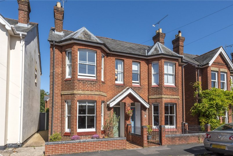 House for sale in Winchester - Monks Road, Winchester, Hampshire, SO23
