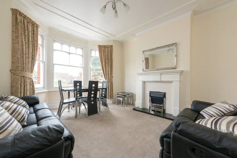 Flat/apartment for sale in Kensal Rise & Queen's Park - Chamberlayne Road, London, NW10
