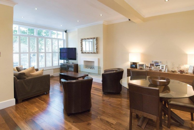 House - terraced to rent in St Johns Wood - VIOLET HILL, NW8 9EB