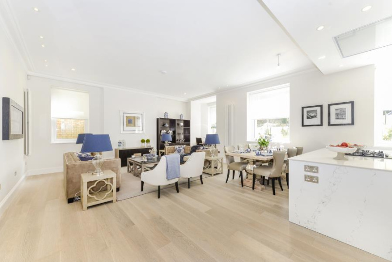 Flat to rent in St Johns Wood - ARKWRIGHT ROAD, NW3 6AA
