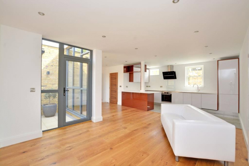 House to rent in  - Rushgrove Mews, Rushgrove Street, Woolwich, SE18