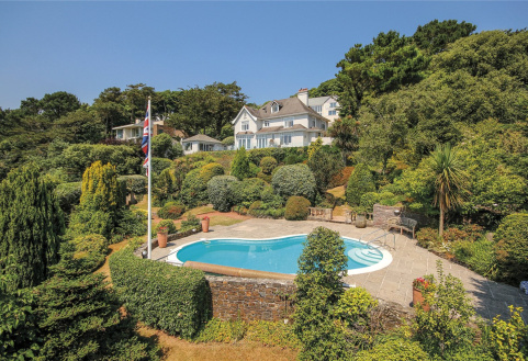 The Pines, Main Road, Salcombe, TQ8
