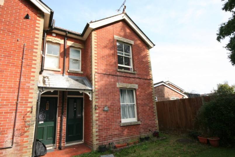 Flat/apartment to rent in Romsey - South Front, Romsey, Hampshire, SO51