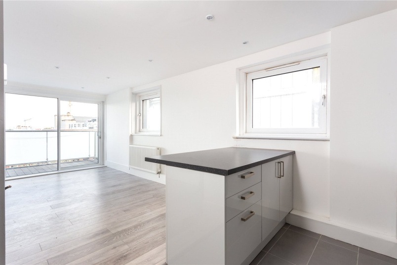 Flat/apartment to rent in Shoreditch - Denning Point, 33 Commercial Street, London, E1