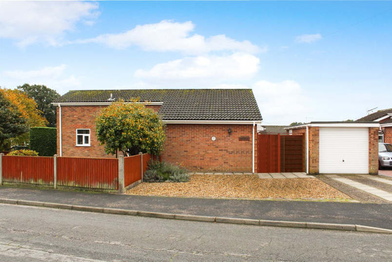 Bungalow for sale in Poringland - Cawstons Meadow, Poringland, Norwich, NR14