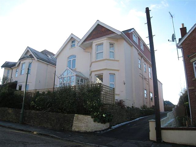 Flat/apartment to rent in Westbourne - The Mount, 68 Alumhurst Road, Alum Chine, BH4