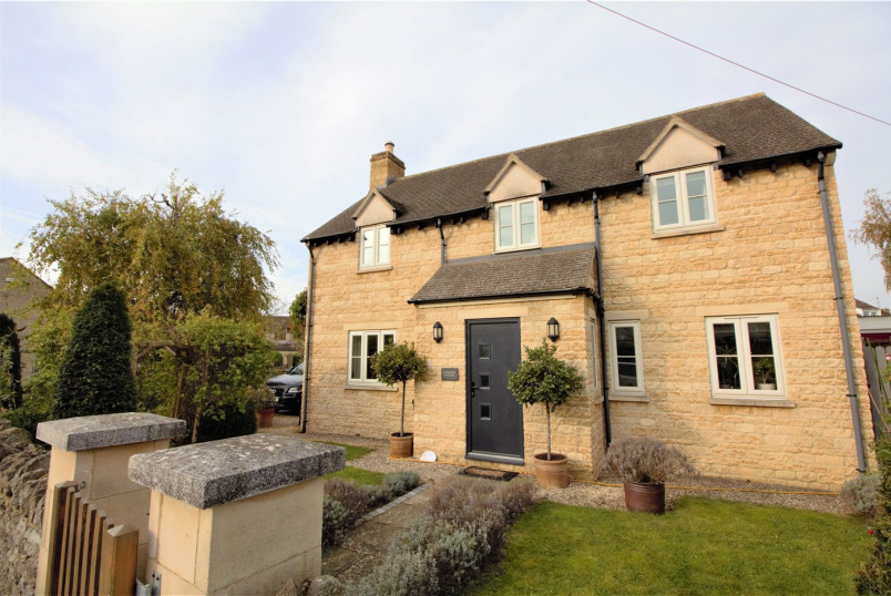 House for sale in Cheltenham - Cobblers Close, Gotherington, GL52