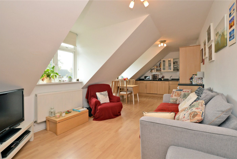 Flat/apartment for sale in Worcester Park - Brinkley Court, 32 Brinkley Road, Worcester Park, KT4