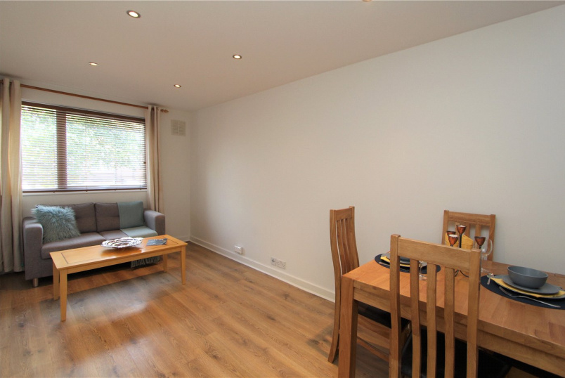 Flat/apartment to rent in Ealing & Acton - The Cloisters, Ealing, W5