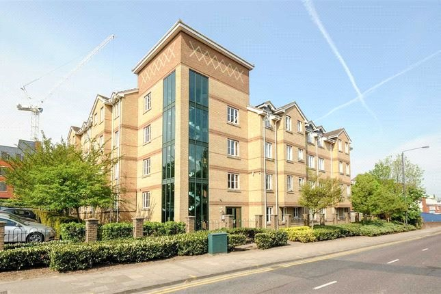 Flat/apartment to rent in Harrow - Nightingale Court, Sheepcote Road, Harrow, HA1