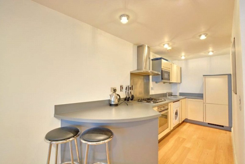 Flat/apartment to rent in Greenwich - Meridian Point, 127-159 Creek Road, Greenwich, SE8