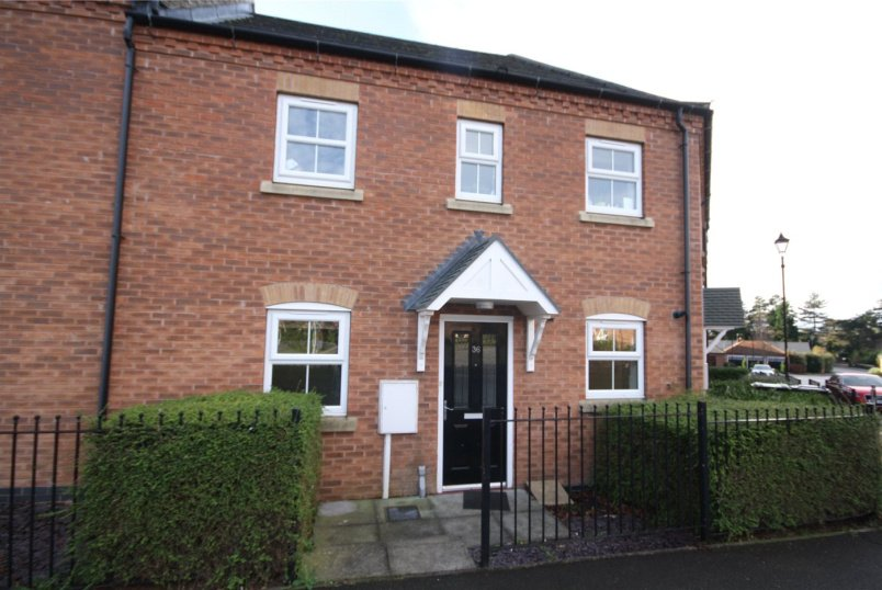 Flat/apartment to rent in Sleaford - Balmoral Drive, Greylees, Sleaford, NG34