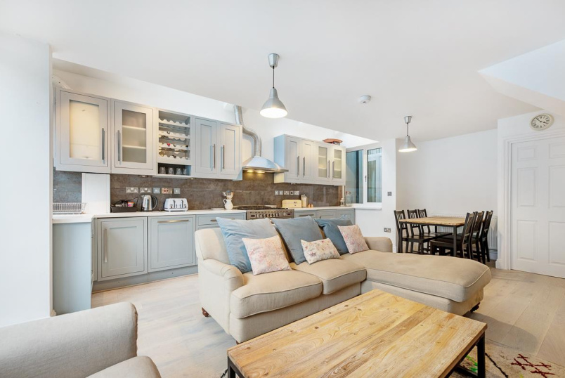 Flat for sale in  - MARMION ROAD, SW11