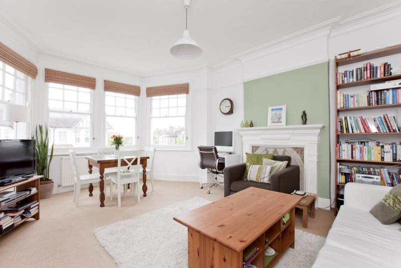 Flat/apartment to rent in Palmers Green - Cranley Gardens, Palmers Green, N13