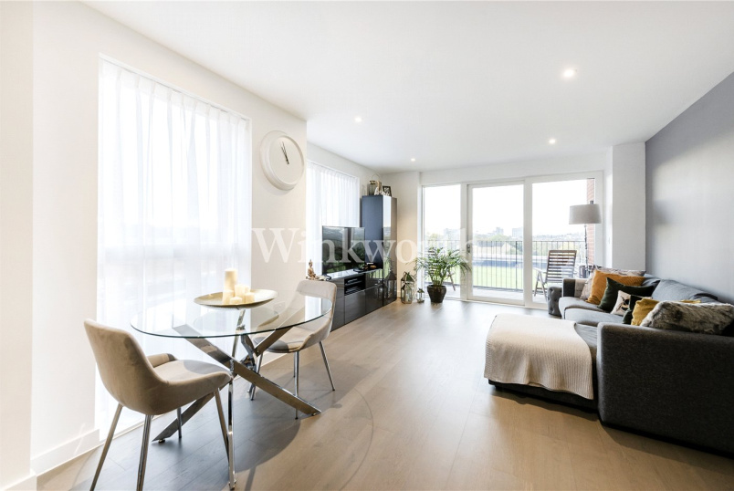 Flat/apartment for sale in Hendon - Serenity House, 6 Lismore Boulevard, London, NW9