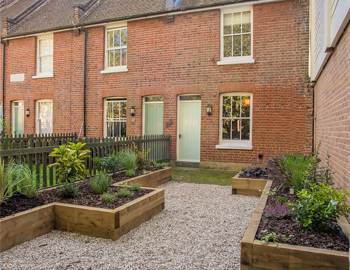 House for sale in Canterbury - Grey Friars Cottages, Stour Street, Canterbury, CT1
