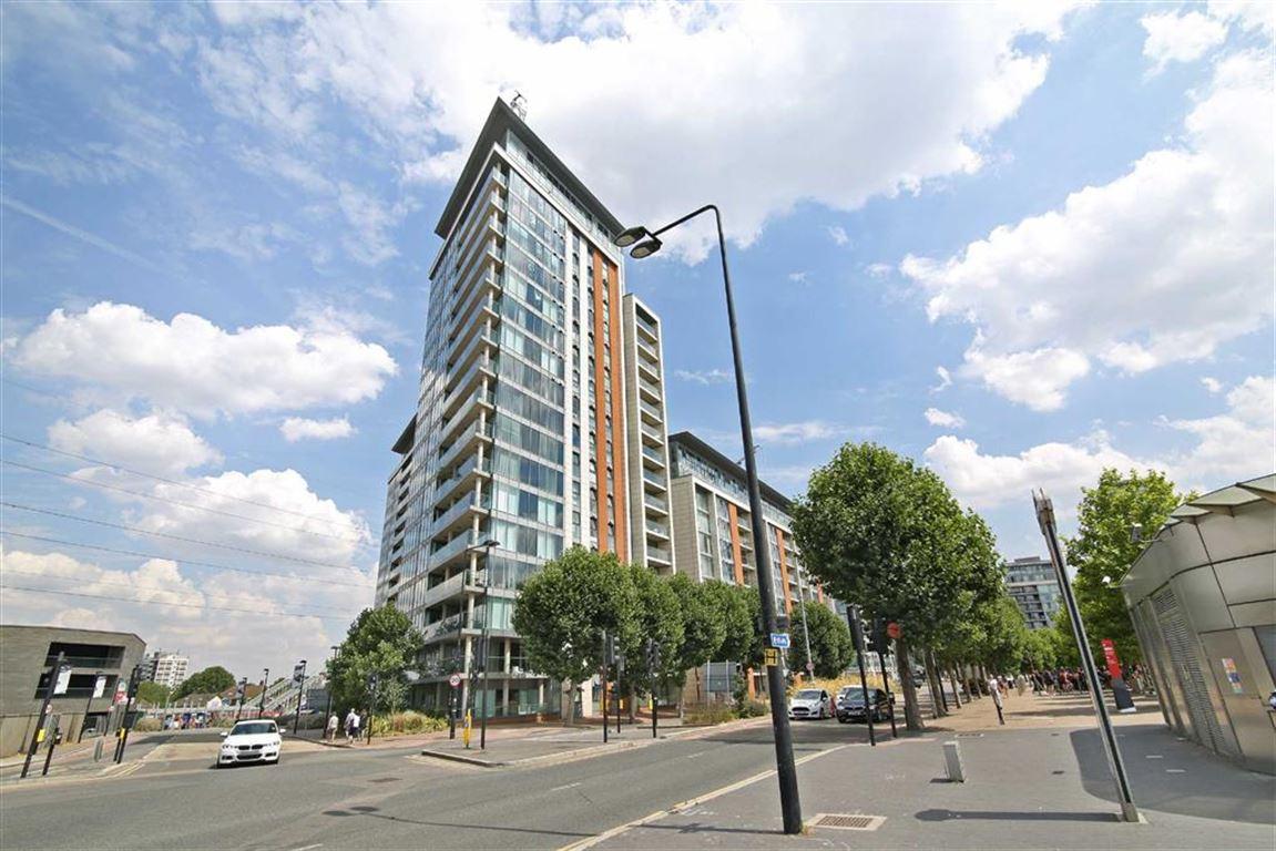 1 bedroom property to let in 22 Western Gateway, Docklands ...