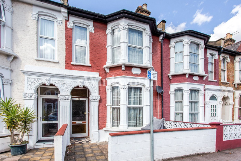 House for sale in Harringay - Sydney Road, London, N8