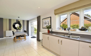 Grayling Close, Godalming GU7
