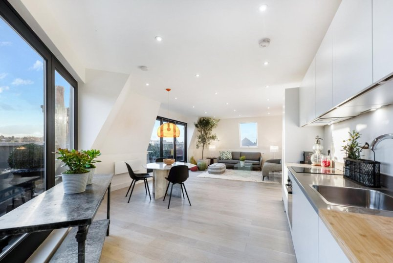 Flat for sale in Clapham - ST. PHILIP STREET, SW8