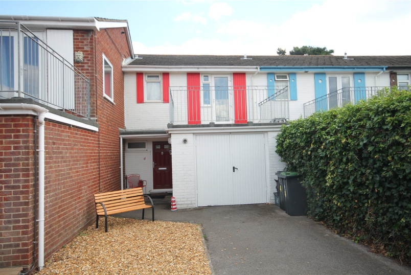 House to rent in Highcliffe - Coastguard Way, Christchurch, Dorset, BH23