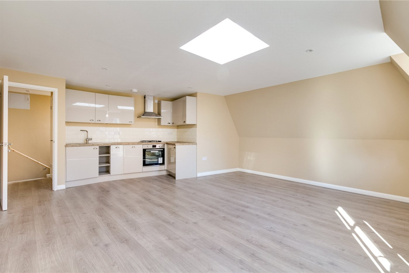 Flat/apartment to rent in Fulham & Parsons Green - North End Road, London, SW6
