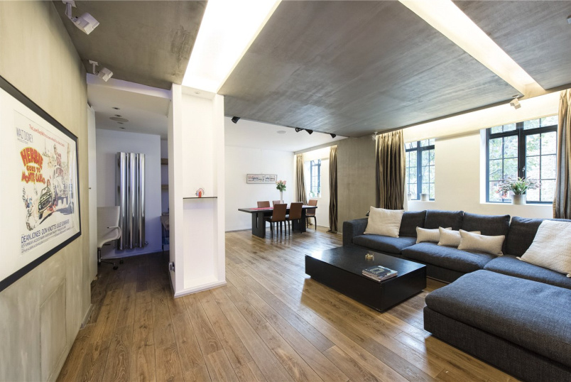 Flat/apartment to rent in Knightsbridge & Chelsea - Knightsbridge Court, 12 Sloane Street, SW1X