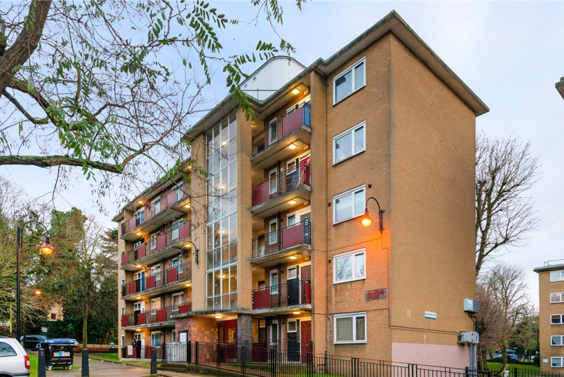 Flat/apartment for sale in West Norwood - Ransford House, Kingswood Estate, London, SE21