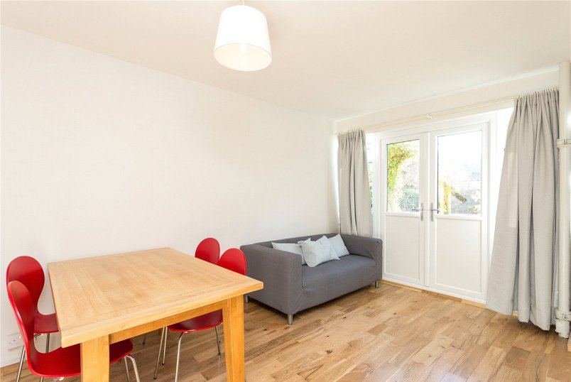 Flat/apartment to rent in Shoreditch - Woollen House, Clark Street, London, E1
