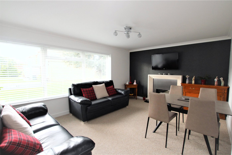 Flat/apartment for sale in Highcliffe - Saulfland Place, Highcliffe, Dorset, BH23