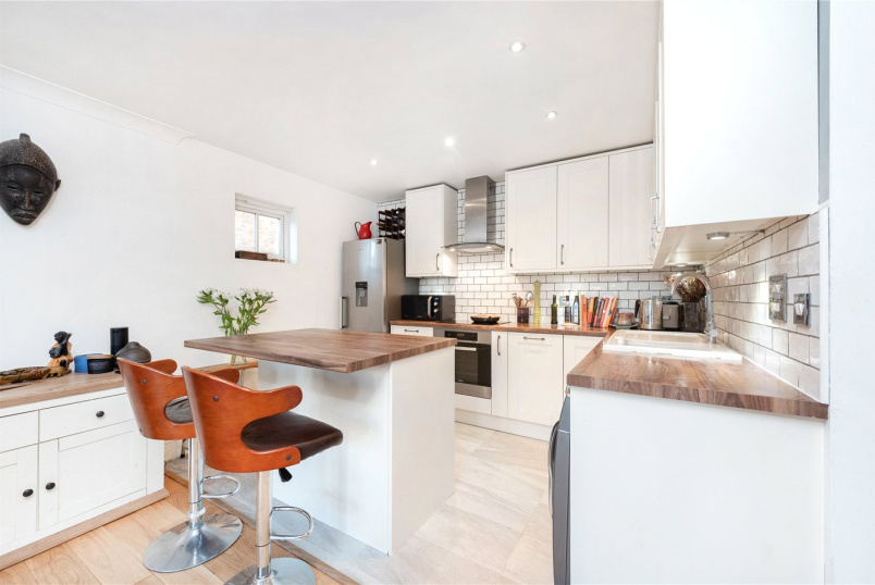 Flat/apartment for sale in  - Martell Road, London, SE21