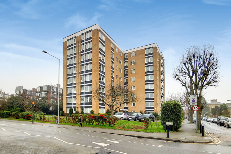 Flat/apartment for sale in Surbiton - Anglers Reach, Grove Road, Surbiton, KT6