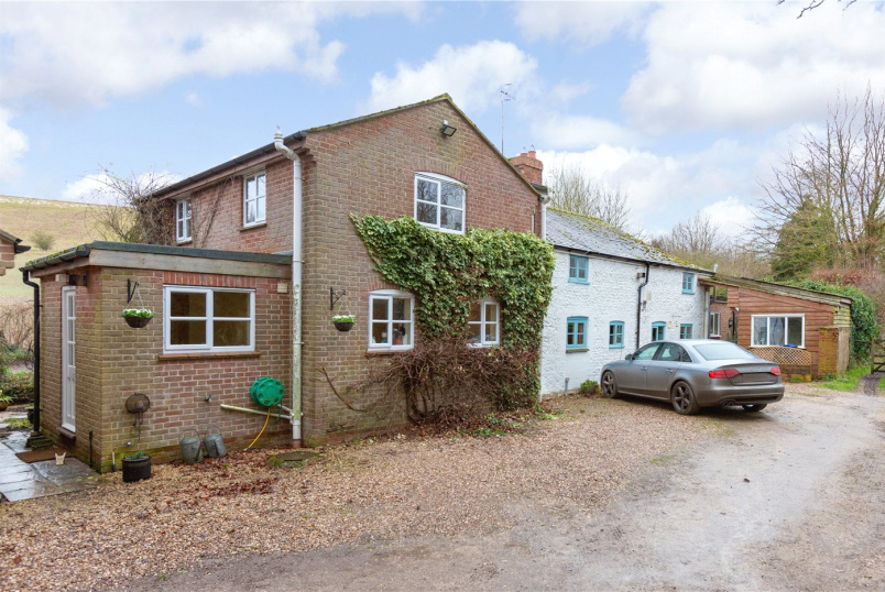 House for sale in Marlborough - Peach Tree Cottage, Lamplands, Ramsbury, SN8