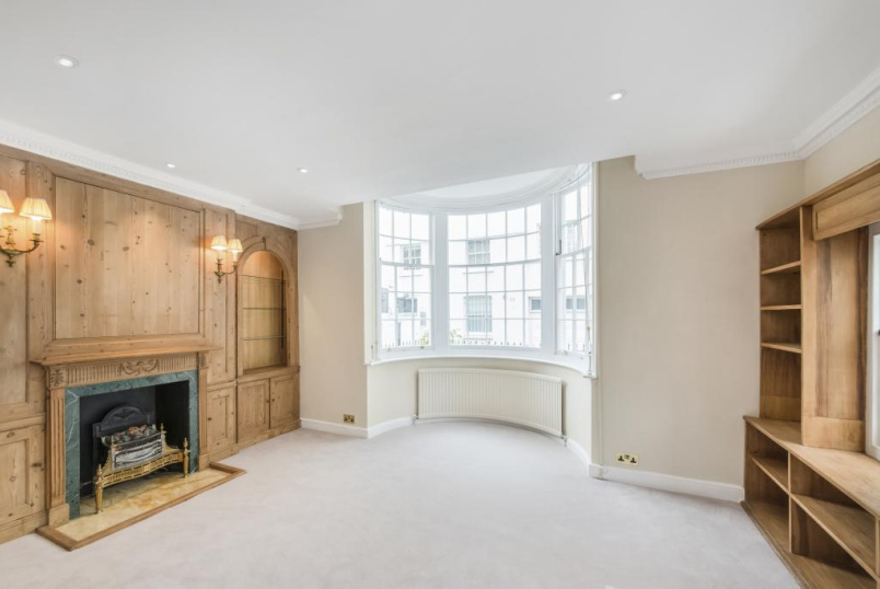 House to rent in Knightsbridge & Chelsea - Montpelier Walk, London, SW7
