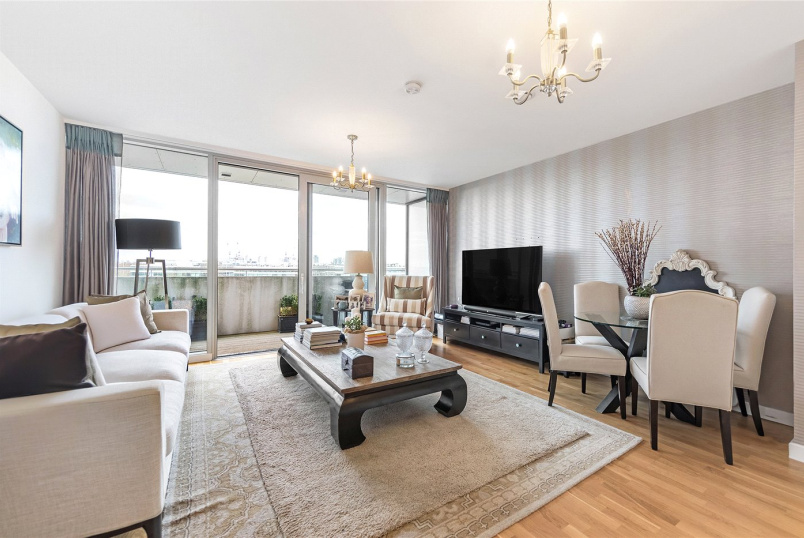 Flat/apartment for sale in Chiswick - Edmunds House, Colonial Drive, London, W4
