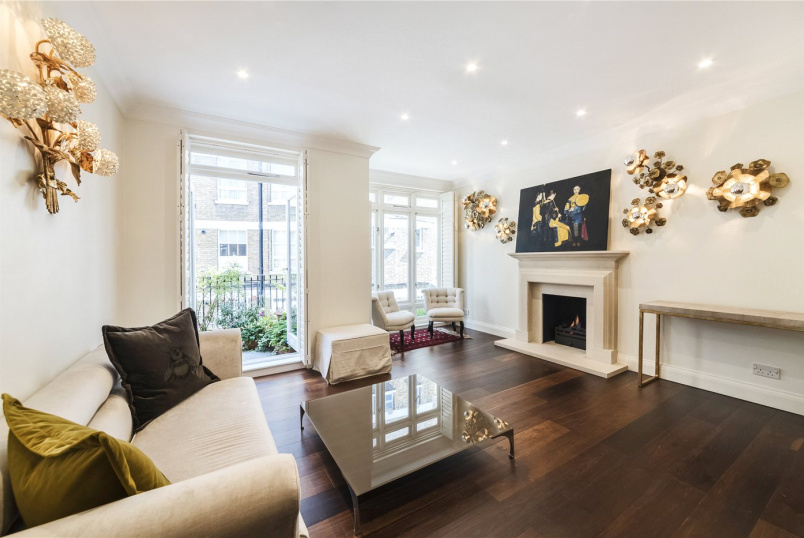 House to rent in Knightsbridge & Chelsea - Ives Street, London, SW3