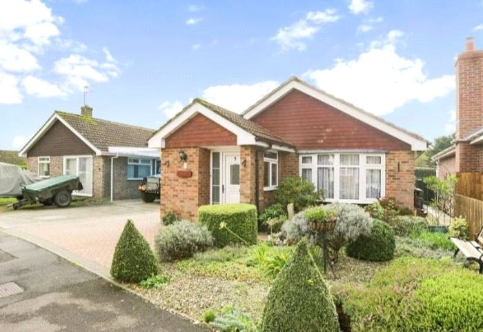 Bungalow for sale in Marlborough - Willis Close, Great Bedwyn, Marlborough, SN8