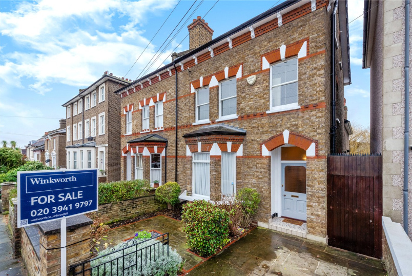 House for sale in New Cross - Ravensbourne Road, London, SE6