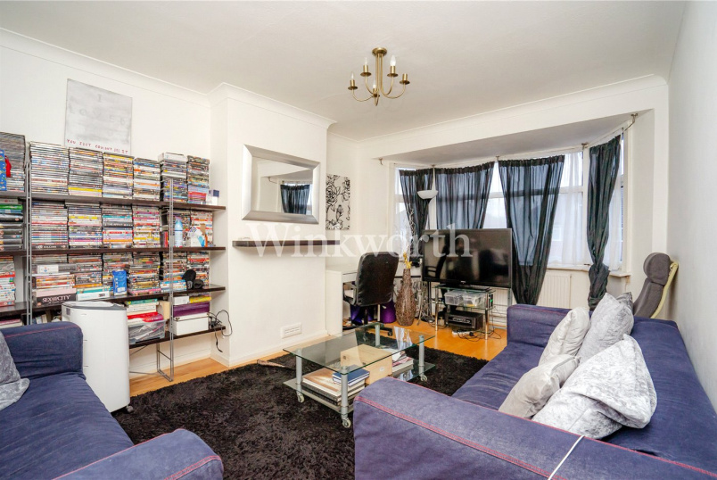 Flat/apartment to rent in Golders Green - Pennine Drive, London, NW2
