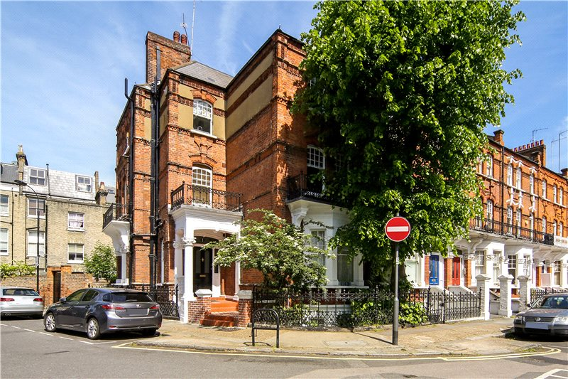 Flat/apartment to rent in Hammersmith - Stonor Road, West Kensington, W14